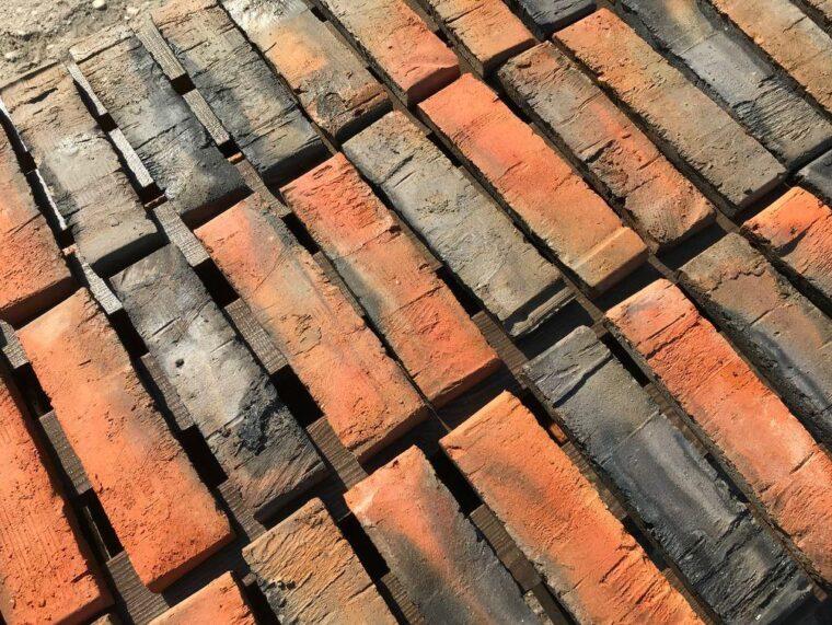 cegły napaletach